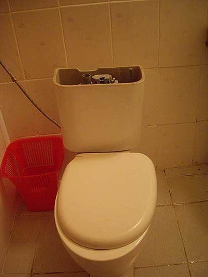 タシケントホテルのトイレ