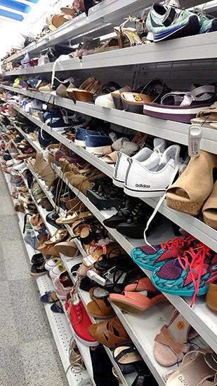 ロス・ドレス・フォー・レス 靴売り場